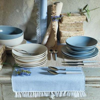 Tableware in beige ed azzurro di Tognana