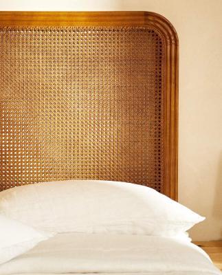 Testiera letto in legno e rattan - Foto: Zara Home