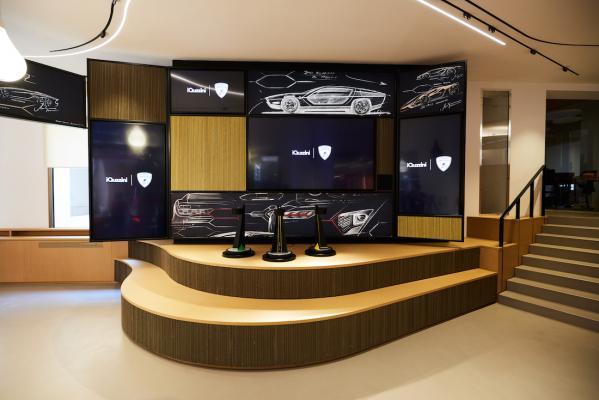 Lampada My, stand Lamborghini - Foto: iGuzzini illuminazione