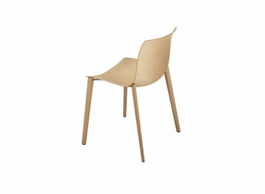 Seduta minimalista, soluzione Arper, Catifa 46