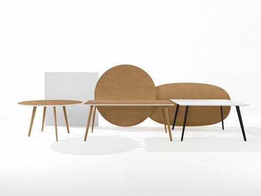 Tavolo in stile minimalista, Arper, linea Gher
