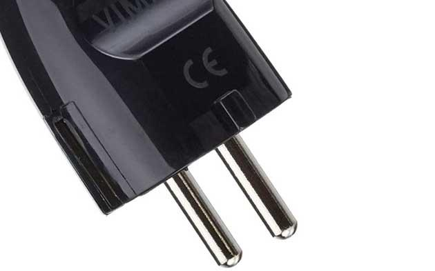 CE-Zeichen auf dem Vimar Schuko-Stecker