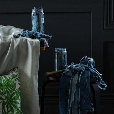 Cuscini ikea con materiale di riciclo