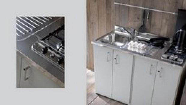 Mobili in metallo per cucina e bagno for Mobili in metallo