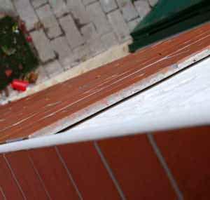 I distacchi dei rivestimenti di facciata : il distacco del rivestimento dal supporto inadeguato