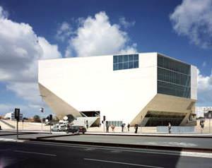 Casa da Musica ad Oporto ( imagesource: www.oma.eu )