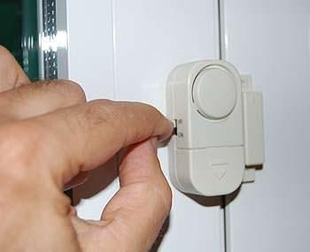 Come difendersi dai furti in  appartamento: l'attivazione dell'allarme sul cicalino