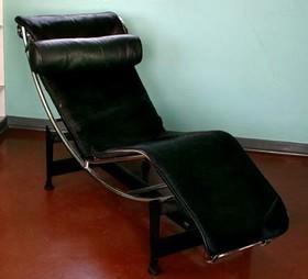 Chaise longue à réglage continu -   Le Corbusier, Charlotte Perriand, Pierre Jeanneret,