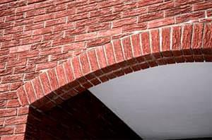Archi in muratura di mattoni