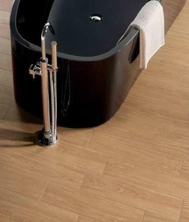 Pavimento: esempio grès porcellanato effetto parquet in bagno_Keope