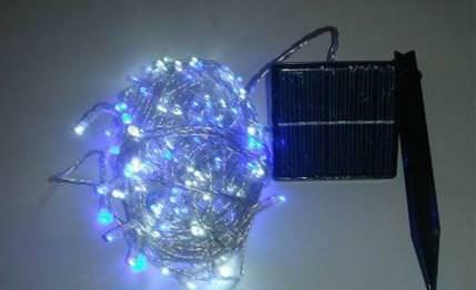 Luci decorative: esempio di luci con mini impianto fotovoltaico