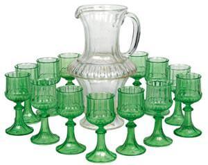 Brocca Lobneyr con bicchieri verdi: www.dorotheum.com