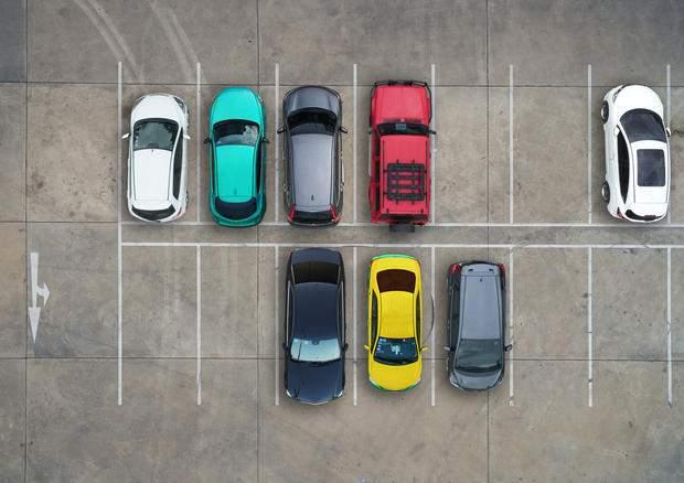 Parcheggio condominiale: posti auto scoperti