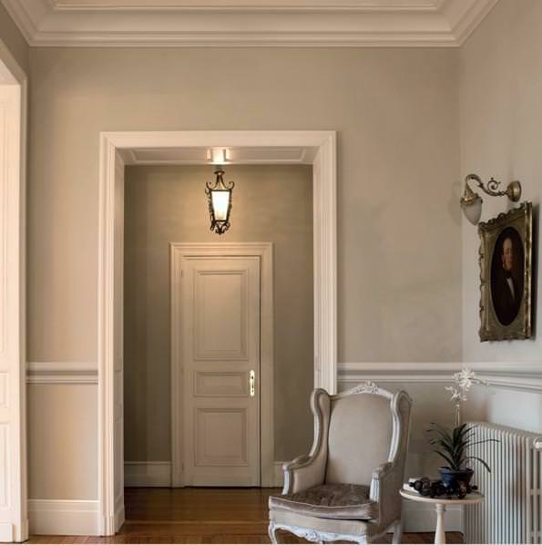 Stucchi decorativi per interni for Ingresso casa classica