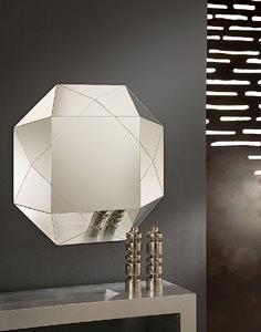 Lo specchio e il feng shui for Specchio moderno per ingresso riflessi