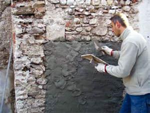 Finiture di facciata: applicazione di intonaco con frattazzo di Lif spa