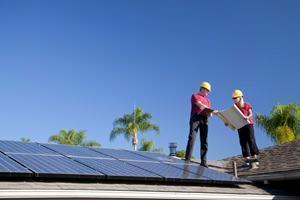 Ispezione di un tetto fotovoltaico