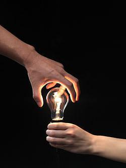 lampadina a fluorescenza : Si passer?, quindi, dalla luce generata da un punto, come nel bulbo a ...