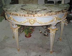 Riproduzione di una consolle Luigi XVI con materiali originali con piano in marmo di Francesco Serretti
