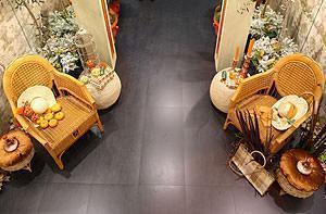 L'entrée aux tissus precieux, Cersaie 2008 Novoceram