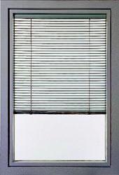 Finstral: finestra battente in alluminio