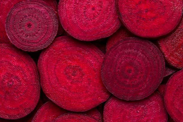 Barbabietole per tingere le stoffe di rosso