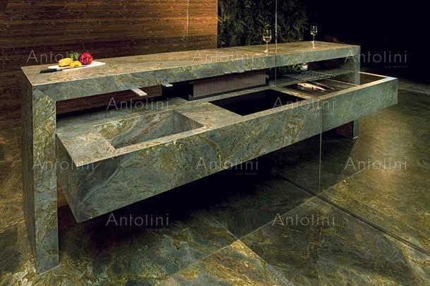 piano cucina in granito di Antolini