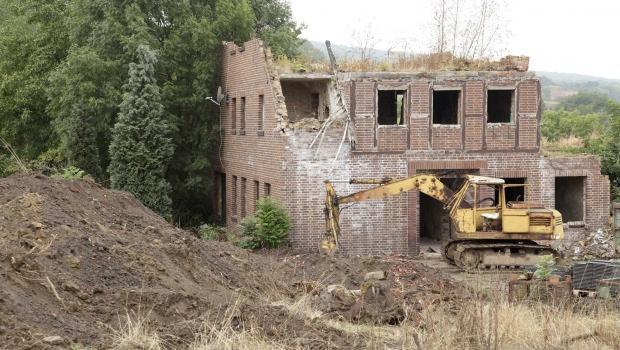 Demolizione e ricostruzione con rispetto di sagoma