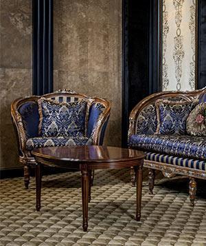 Leggere i particolari di mobili antichi - Immagini di mobili antichi ...