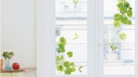 Decorare con adesivi per vetri