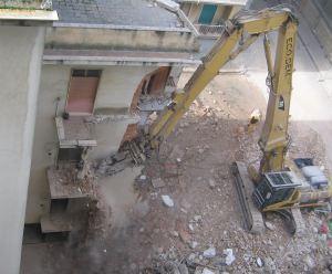 demolizione di vecchio fabbricato per nuova edificazione