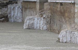 danneggiamenti a plinti di fondazione da scavi adiacenti