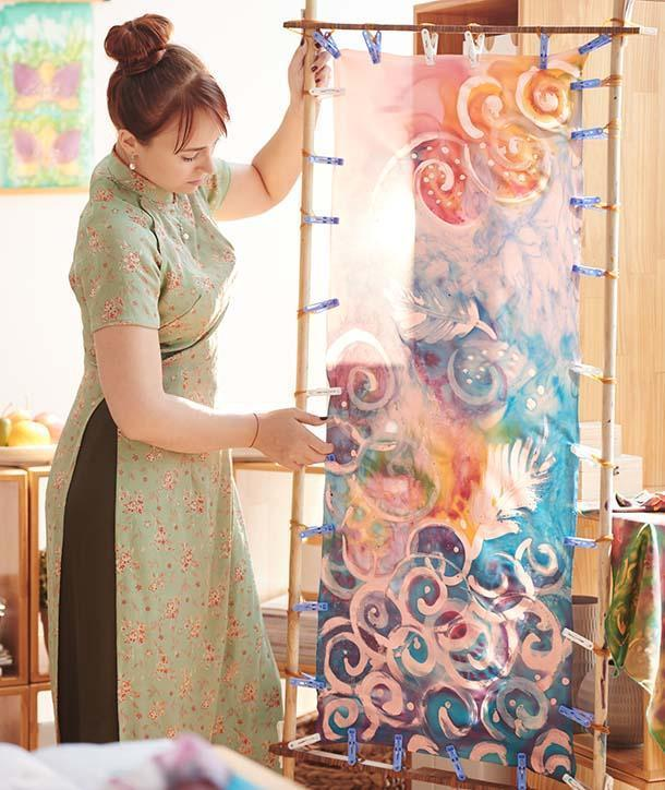 tessuto dipinto con la tecnica batik