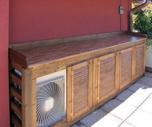 Integrare i condizionatori esterni con soluzioni architettoniche di pregio - Mobile per terrazzo ...