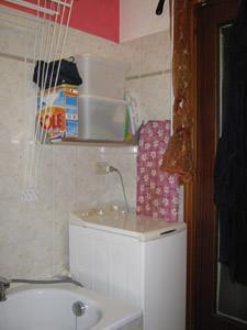 Ricavare una lavanderia da un piccolo bagno - Bagno di servizio con lavanderia ...