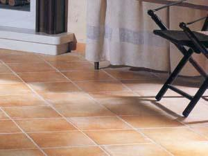 Superfici domestiche pavimenti interni cotto