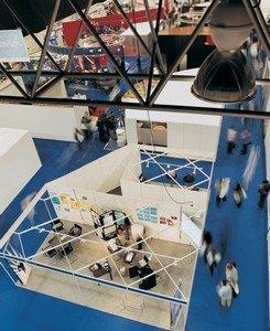 Complementi d 39 arredo anteprima salone del mobile 2012 for Salone del mobile prezzi