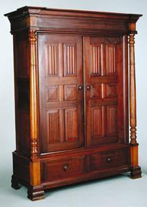 Mobile antico in legno