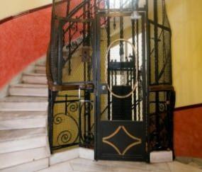 vecchio impianto ascensore