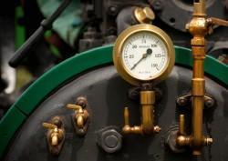 umento della pressione dell'acqua con temperatura