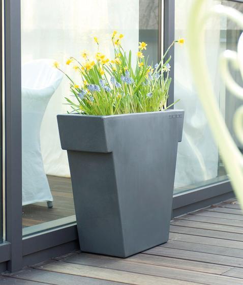 Contenitori moderni per piante for Contenitori da giardino