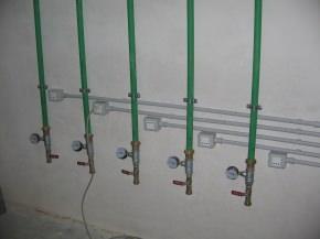 punti di distribuzione idrica per allaccio pompa singola