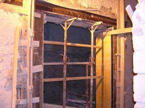 Apertura vani in strutture murarie - Apertura di una porta in un muro portante interno ...