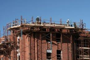 lavori in altezza su prospetto edificio