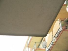 gocciolatoio in PVC posto in corrispondenza dello spigolo del ballatoio