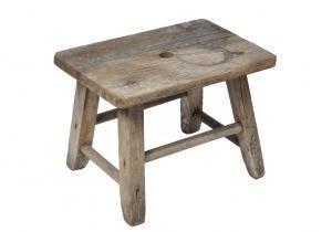 mobile vecchio in legno