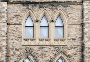 facciata edificio in pietra
