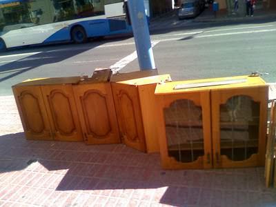 mobili per strada