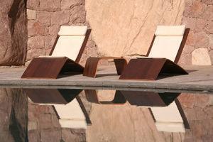 sdraio minimal in legno Galevi