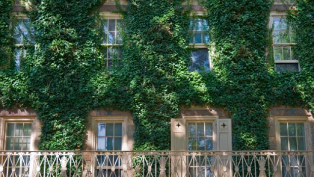 Piccoli montacarichi da balcone prezzi pompa depressione for Montacarichi per legna